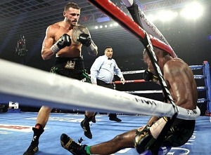 Joe's KO: Smith Knocks Out Alvarez