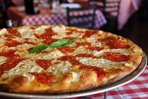 Mangia! Mondays are Back at Grimaldi's Pizzeria