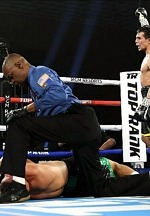 Zepeda KOs Baranchyk in Fight of the Year