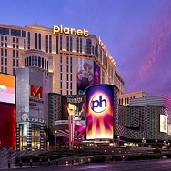 Caesars Rewards Member Hits Progressive Jackpot on Ultimate Texas Hold 'Em with Royal Flush at Planet Hollywood Resort & Casino