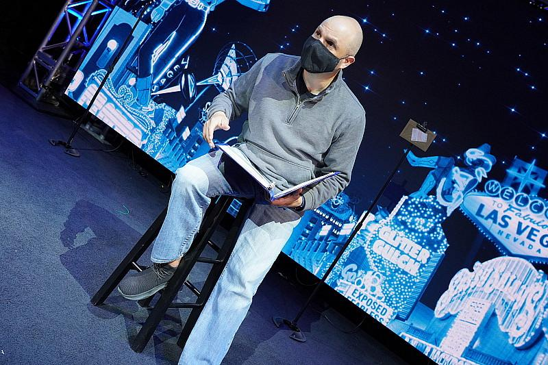 Las Vegas' Newest Show, Totally Mental, Uniquely Blends Comedy & Mentalism With a Dash of Magic