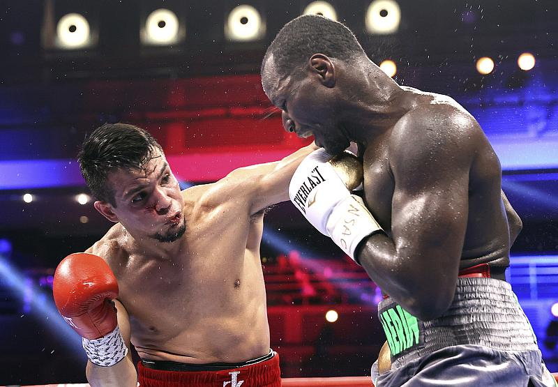 Jose Zepeda vs Hank Lundy -  Photo Credit: Mikey Williams/Top Rank via Getty Images