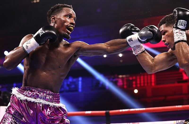 Elvis Rodriguez vs Kenneth Sims Jr -  Photo Credit: Mikey Williams/Top Rank via Getty Images