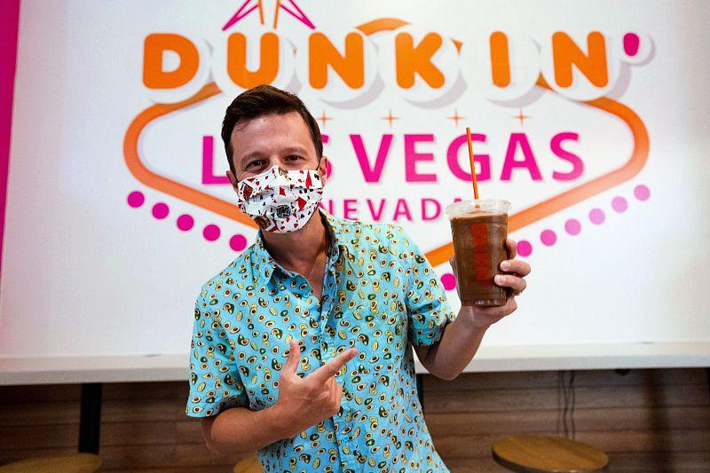 The Mat Franco Dunkin' beverage is aMedium Dunkin' Frozen Coffee with Oatmilk and Triple Blueberry Shot