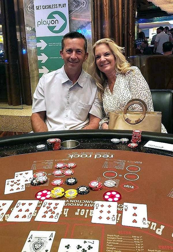 A Lucky Couple Both Hit Straight Flushes On Flop On The Same Night at Red Rock Casino
