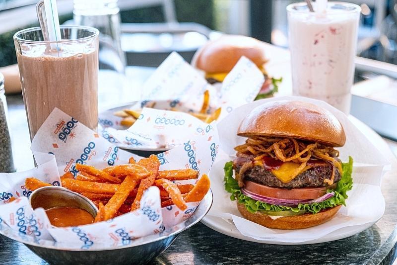 Celebrate Dad Las Vegas Style atEiffel Tower, El Segundo Sol, Joe's, Mon Ami Gabi and Stripburger & Chicken