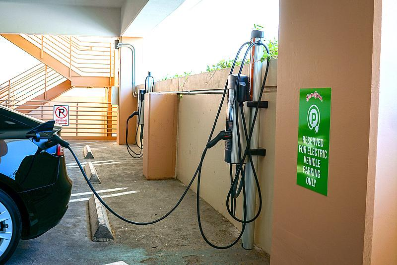 Station Casinos Introduces New and Complimentary Electric Vehicle Charging Stations