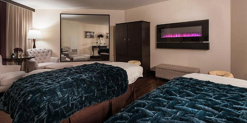 Couple's Treatment Room at The Spa at Harrah's Las Vegas