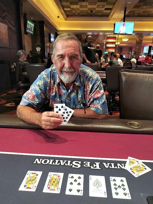 Station Casinos' Progressive Jumbo Bad Beat Poker Hits at Santa Fe Station With $225,571 Awarded to Guest