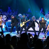 Boyz II Men's Shawn Stockman Joins the After-Party on Stage at The Venetian Resort Las Vegas