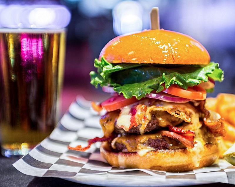 Celebrate National Burger Day at Rí Rá Irish Pub and Miracle Mile Shops