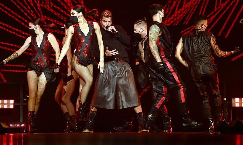 Enrique Iglesias & Ricky Martin Kick off Historic Co-Headlining North American Tour in Las Vegas
