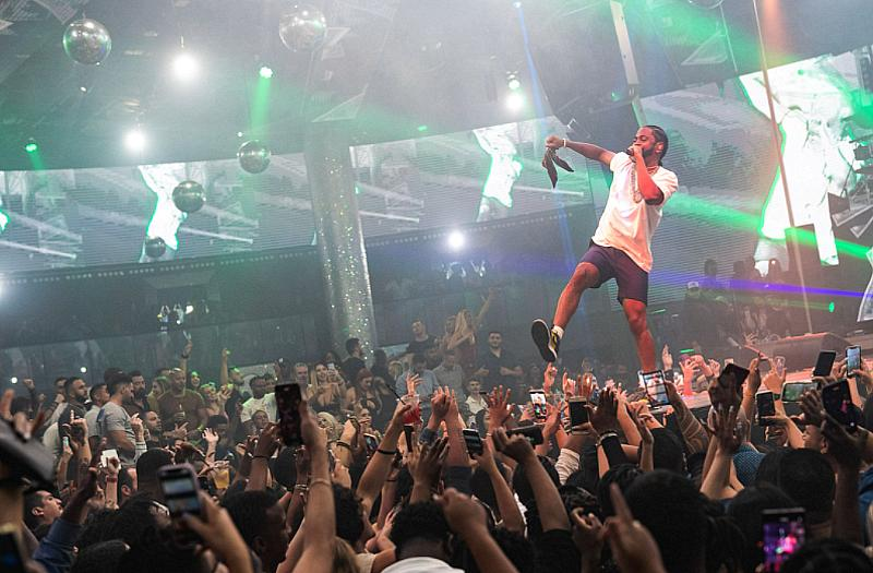Big Sean Lights up the Stage at Drai's with an Electric Drai's Live Performance