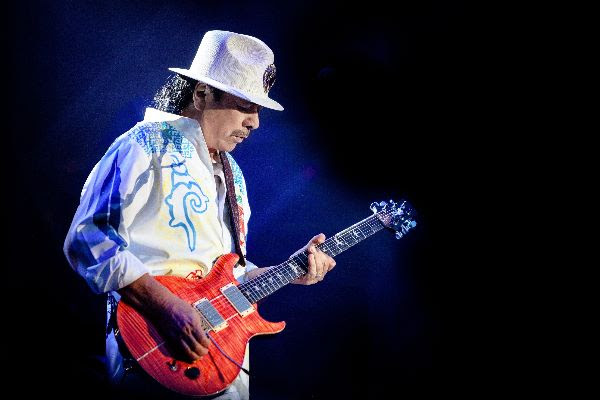 Carlos Santana Extends Intimate House of Blues Residency Into 2022